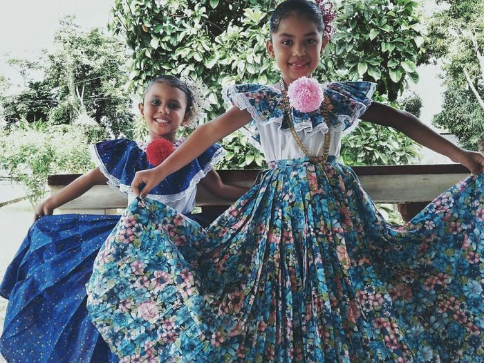 Two People Child Girls Three Quarter Length Looking At Camera Children Only People Childhood Togetherness Smiling Outdoors Portrait Nature Day Evening Gown Panamá 10deNoviembre Pollera Girls FiestasPatrias2016