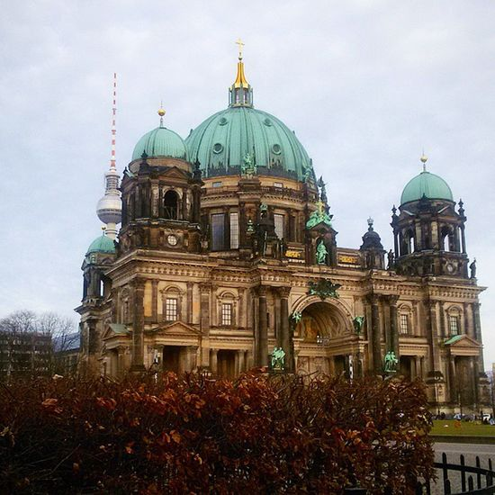Berlinerdom Berlinerfernsehturm Berlin Igersberlin Architecture Berlinstagram Instaberlin Ig_berlin City Cityscape Urbanexploration Urbanromantix Buildings Urbangrammers Urbanphotography Ir_architecture Buildinglover Ig_architecture