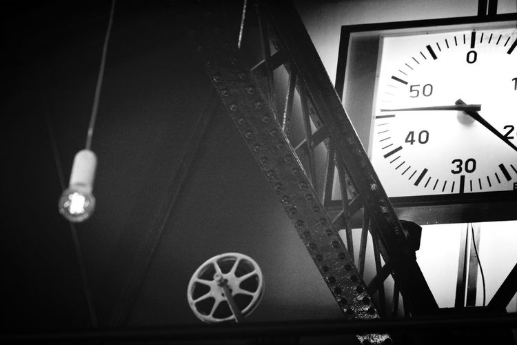 It's time to erase the past..... Think future ! Hanging Out Bnw BNW PARIS