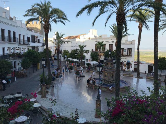 Travel Destinations Plaza Fuente City Architecture Built Structure