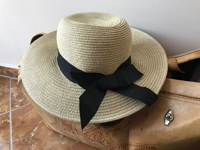 No People Protection Day Indoors  Close-up Hat Woman Hat Woman Beauty Ribbon Straw Hat Sun Hat Studio Shot Bow Clothes Bag Bag And Hat