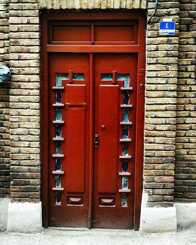 چهار Oldhouse Tehran Tehranpic Iran Iranpics Streetlife Piroozstreet Window Flowers ایران تهران تهران_گردی خیابان_پیروز پنجره پنجره_شعر_امروز خانه_قدیمی خانه_قدیمی_ایرانی معماری_ایرانی