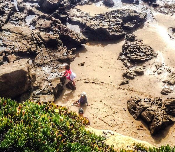 The world needs more ❤️ Hearts♡hearts Beach Photography Seasand And Rocks Kids Having Fun Holiday POV Heart Shape Drawing In The Sand  Beachfun Kids On The Beach Love