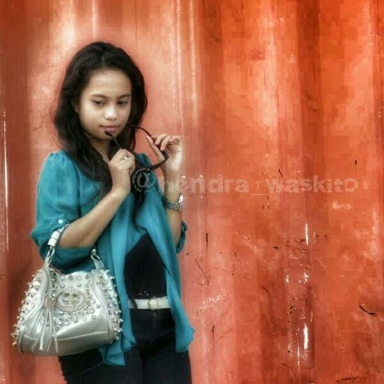 Modelaceh Hello World Hanging Out