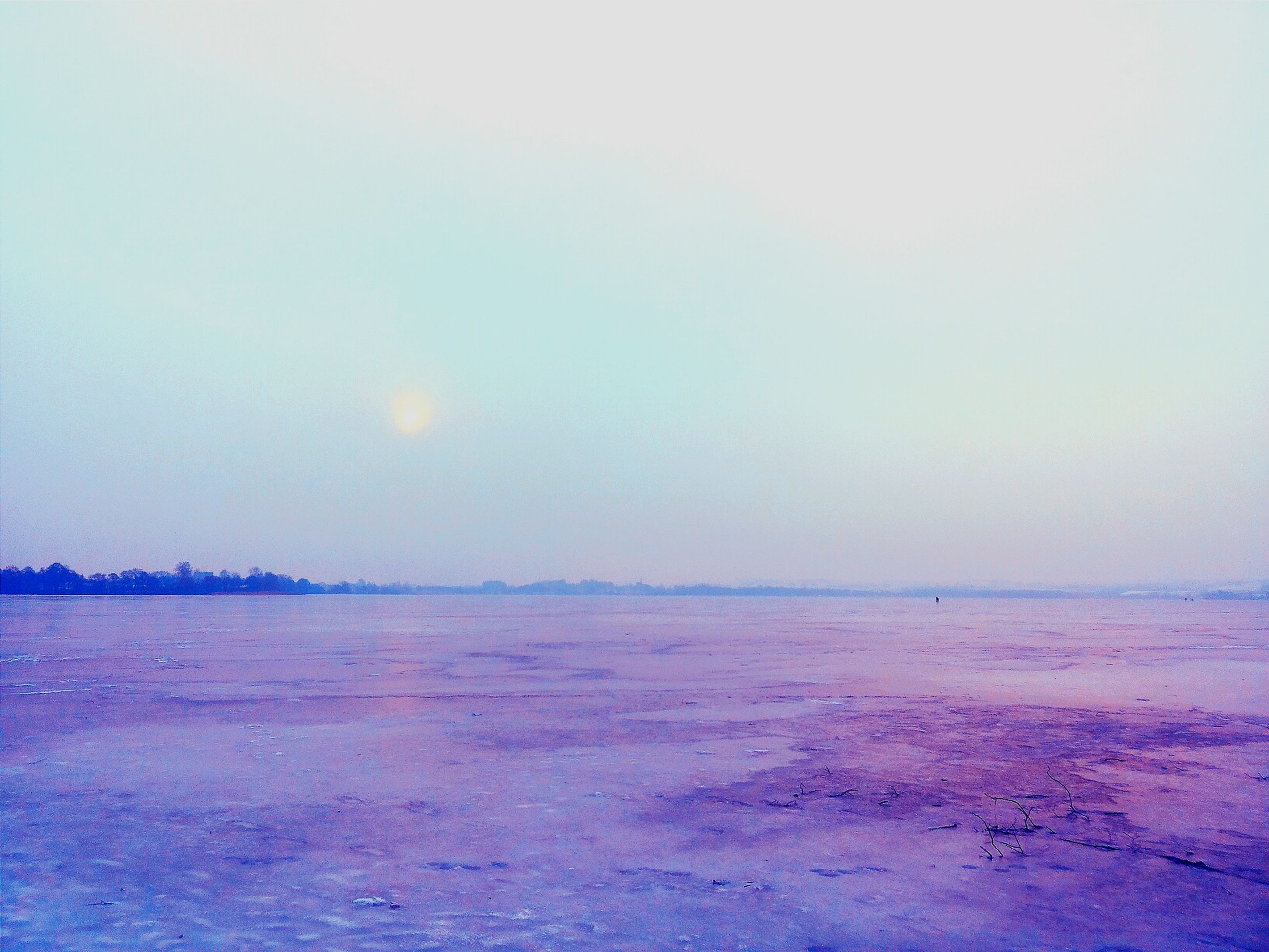 tranquil scene, tranquility, scenics, beauty in nature, nature, copy space, winter, sunset, cold temperature, snow, landscape, idyllic, clear sky, sky, weather, non-urban scene, remote, water, outdoors, no people