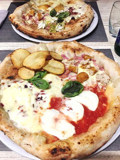 1 pizza, 4 tastes Spicchidautore Pizzeria Pomodoro Saturdaynight Romantic Lovepizza
