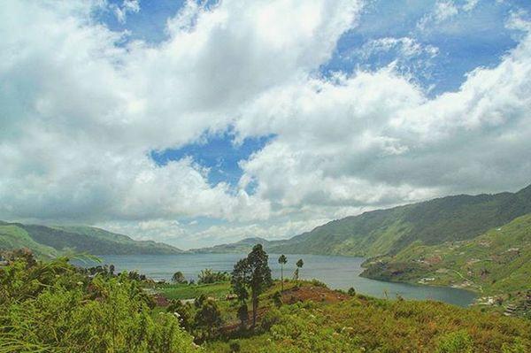 Panorama danau atas danau bawah kab.Solok alahan panjang.. 📷🌄 . . . Pejalankaki Travelingindonesia Wisataindonesia ExploreSumbar Explonesia Instagram MyAdventure Jejakpetualang 제작발표회 Ootd VSCO INDONESIA
