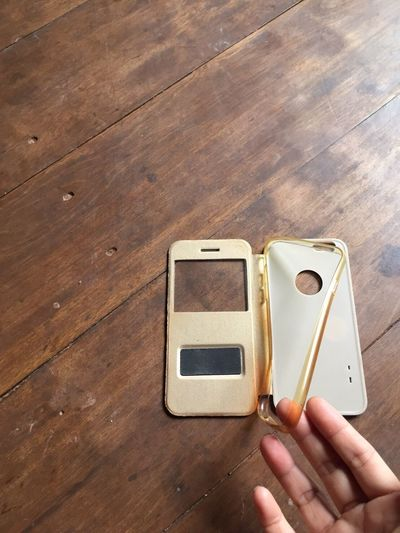 Telephone Case Human Hand Wood - Material Brown