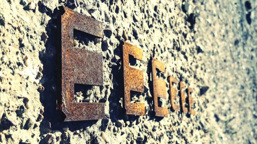 Big Letters letter E Orange metal letter eyeem eyem sequence Repetition end Six rusty Oxidation Drop Rought Rusty EyeEm Gallery Letters Orage Letter Metallic Metal Metal Letters ArtWork Artistic Art Artphotography Perspective