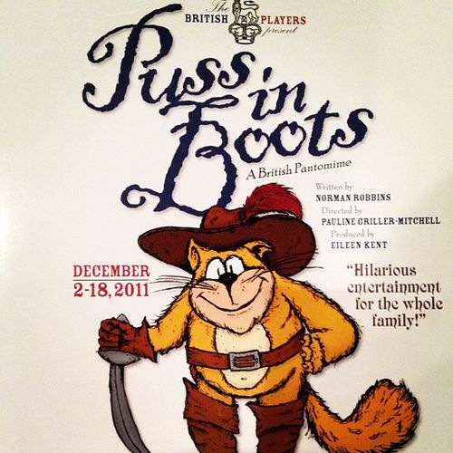 At the panto - Puss in Boots. #jomo #kensington #pantomine Panto Kensington Pussinboots Jomo Britishplayers Pantomine
