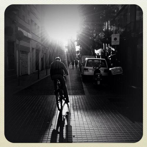 Streetphotography Silhouette Barcelona #blackandwhite