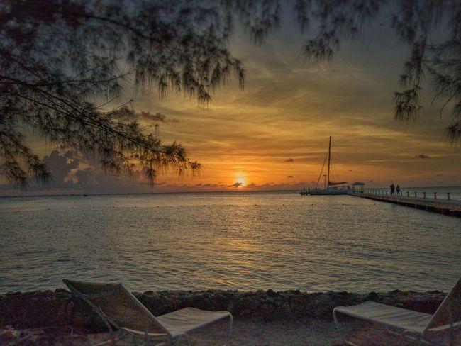 Sunset Caymanislands Grandcayman Rumpoint Catamaran Dock Destinations