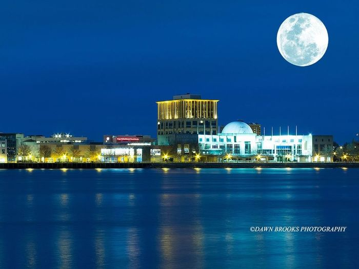 Shot this in January of this year, I just wanted to post something old and beautiful, The Camden Side from Philadelphia. Penn's Landing Philadelphia CamdenNJ Blue Sky Walking Around Taking Photos Hello World Water Reflections Moon Buildings Full Moon