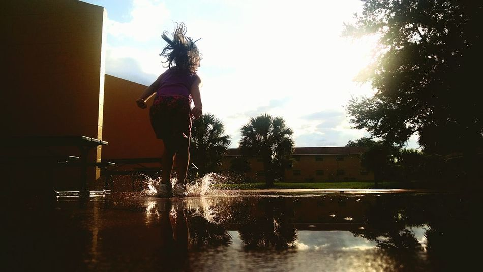 Playing With Water Mysister ❤ Taking Photos Jumping Nice Diferent
