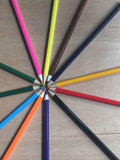 Colouring pencil in line