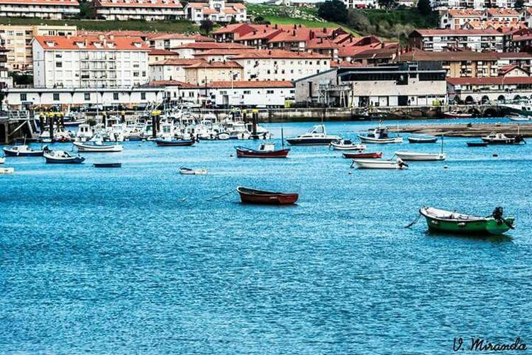 San Vicente De La Barquera Cantabria Mar Barcas