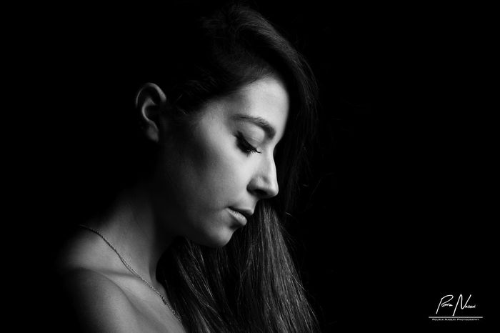 Only Women One Young Woman Only Beauty Beautiful Woman Headshot Beautiful People Women Females Close-up Indoors  B&W Portrait Black Background PouriaNaseri© PoucoFotografia©