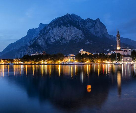 Lecco al calare della sera. Italy Italia Italy Holidays Italyiloveyou Lecco Lecco Lake Leccocity Lakeofcomo Lombardia Lombardy Landscape Landscape_photography Bluehour Italy Photos Italytravel First Eyeem Photo Long Exposure Longexposure Blue Water