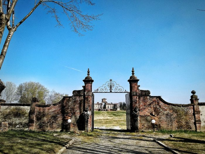 Chignolo Po, Marzo 2019 Hdr_Collection Outdoors Castle Gate Fields Trees Sky Historical Site Historical Building Built Structure