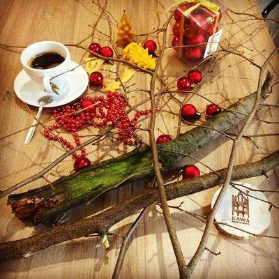Kawa daje energie, przy kawie rodzą się świetne pomysły - poprostu kawa inspiruje! Dziś w Kawie Rzeszowskiej będziemy tworzyć ozdoby świąteczne, zaglądajcie do nas i powiedzcie jak Wam się podoba świąteczna stylizacja Kawy Rzeszowskiej. Swiatecznakawa Oszdobyswiateczne Kawazrana Rzeszów Kawa Rzeszów Coffee Coffeetime Barista Aeropress Mobilnakawiarnia Kawa Instamood Instagood Instalove Instacoffee Igersrzeszow Kawarzeszowska Coffebreak Coffeetogo Coffeelove Love Photooftheday Happy Bestoftheday instamood herbata kawiarnia chemex syphon aeropresscoffee kawa pysznie