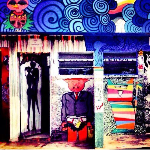 Street Art Hello World Streetphotography Urban Art Cores e contraste ✨