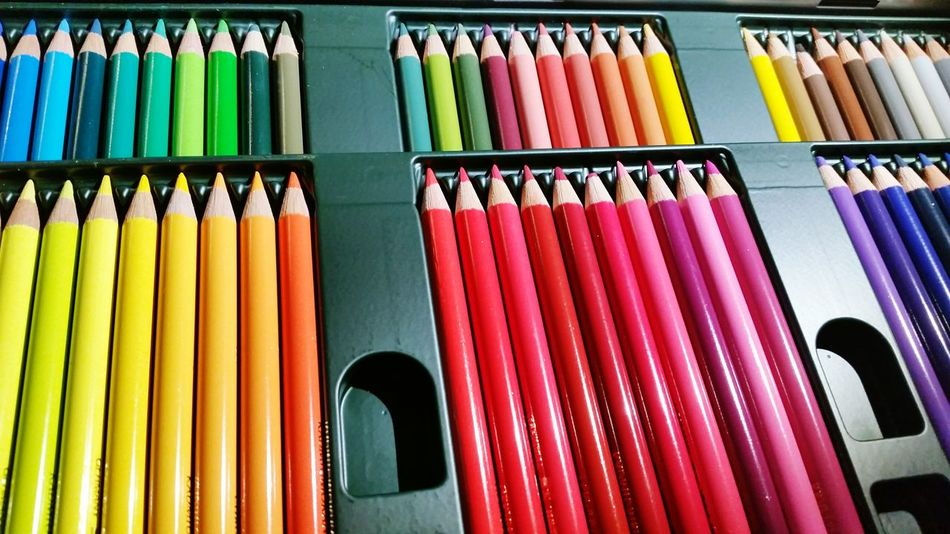 Getting Inspired Colors Colorful Pencil Relaxing Hanging Out Enjoying Life Drawingtime Colour Splash Colourpencils