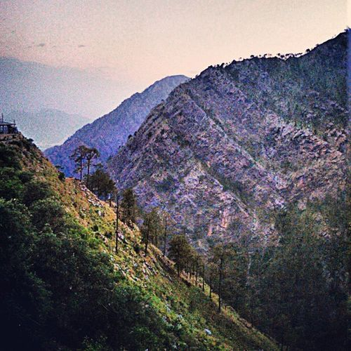 Life is like a landscape. You live in the midst of it but can describe it only from the vantage point. Kashmir Katra Awesomeweather Landscape Fun TiringJourney Morning Greatexperience 1749m