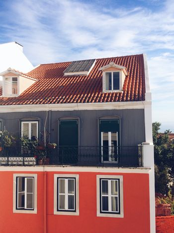 ❤️Lisbon Building Exterior Architecture Window Built Structure House Sky Outdoors Residential Building No People Day Lisbon Architecture Lisboa Portugal Sky And Clouds Old Buildings Old House