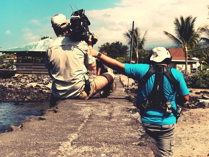 Helping Hand Cameramen Camera Work Film Industry Real People Two People Lifestyles Leisure Activity Togetherness