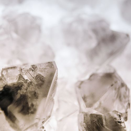 Crystals Crystals Cristal Crystal Textile Indoors  Close-up No People Selective Focus Drink Crumpled Still Life Wealth White Color