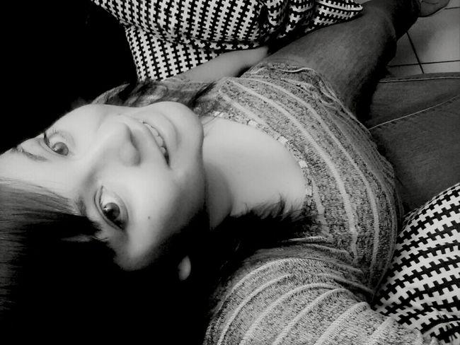 Just Chilling Black & White Smile No Make-up