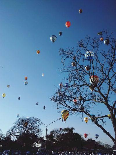 Baloons Brasil Hanging Out Weekend