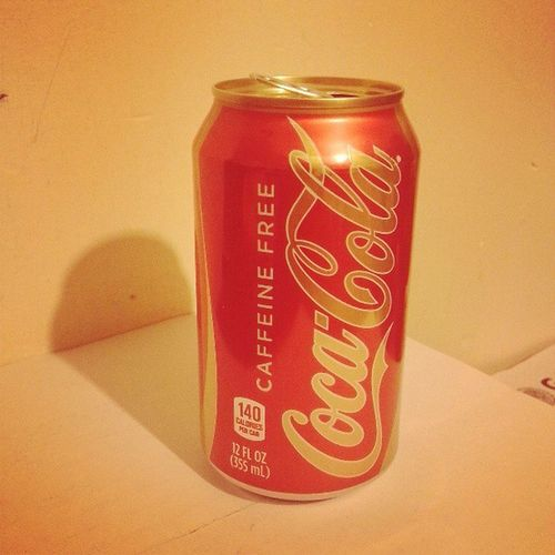 Oh no @goreco y yo fuimos engañados por @fabiohernndez jajaja no es de vainilla es solo libre de cafeína Cokecaffeinefree Coke Thecocacolacompany Fail lol
