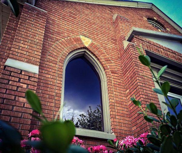 The house that built me. Church Praise
