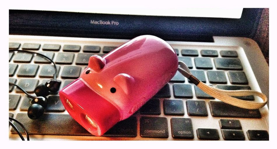 ...da Pig STAYS In Da Movie!...