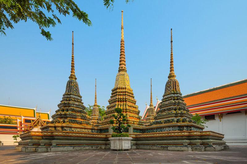 Wat pho against clear sky