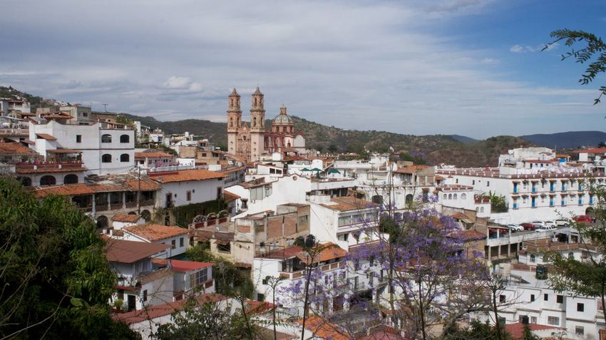 Caminando por el mundo Arround The World Magic Town Panoramic Photography Panoramic View Places To See Before You Die Places To Visit Taxco  Walking And Seeing The Street Photographer - 2016 EyeEm Awards walking around the city
