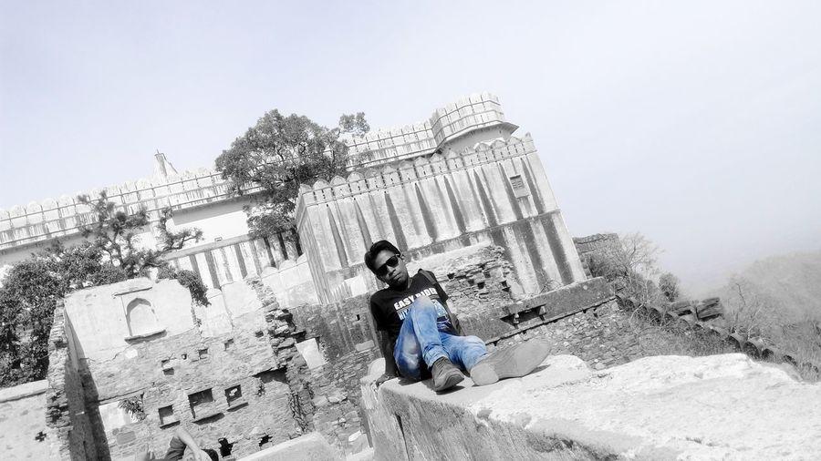 EyeEm EyeEm Best Edits Heritage Building Beauty Of Rajasthan Kumbhalgarh Bleed Blue People