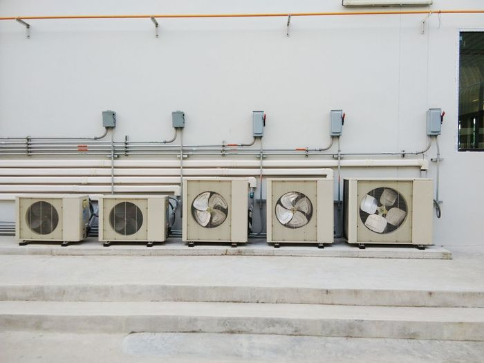Air Conditioner Mechanical Day Indoors  Laundromat No People Sanitary Facilities Supply Air Washing Machine