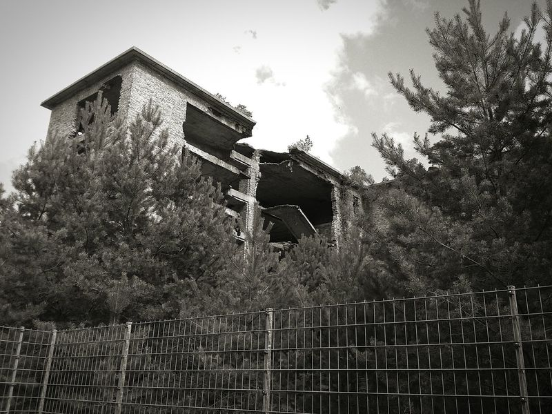 Prora Ruins Of A Past Ruins_photography Taking Photos Rügen No People Bad Condition Nazi Building Blackandwhitephotography Architecture Damaged Rügen Lovers Black And White Hanging Out