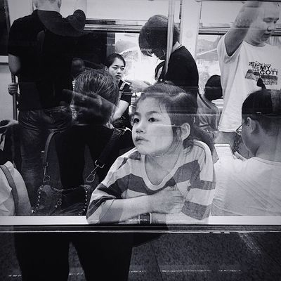 文艺重庆 | 060 Iphone6plus Real People One Person Lifestyles Portrait Women Sitting Child
