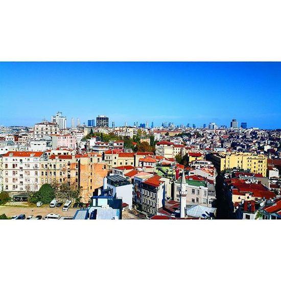 dear istanbul. 171115 Istanbul Galata Marmara City Amazing Perfect Landscape Turkey Passion Life Colour Sky Skyporn No Clouds House Türkiye