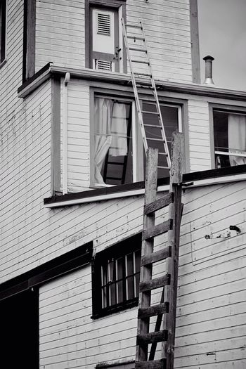 No Stairs? Building Architecture Architecture_bw Old Buildings Blackandwhite Black And White Black & White Ladder From My Point Of View Strange