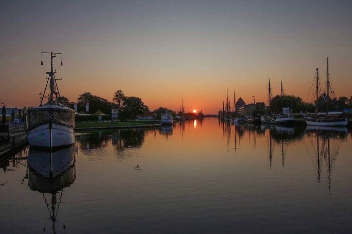 Sunset Reflection Water Nautical Vessel No People Moored Tranquil Scene Sky Nature Transportation Outdoors Tranquility Beauty In Nature Clear Sky Scenics Lake Architecture Greifswald Museumshafen Mecklenburg-Vorpommern Canonphotography Sunset Sonnenaufgang