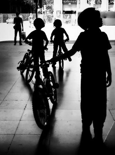 WeAreJuxt.com Streetphoto_bw Shootermag NEM Black&white