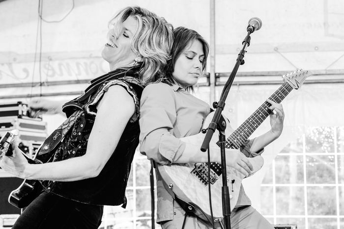 Women Who Inspire You Portraits Rock N Roll Rock Live Music Black And White Concert Concert Photography Blackandwhite Performance Performing Music Musician Black & White Guitar Guitarist Guitars Women Women Of EyeEm Amazing Cool Passion TakeoverMusic Fun The Photojournalist - 2017 EyeEm Awards