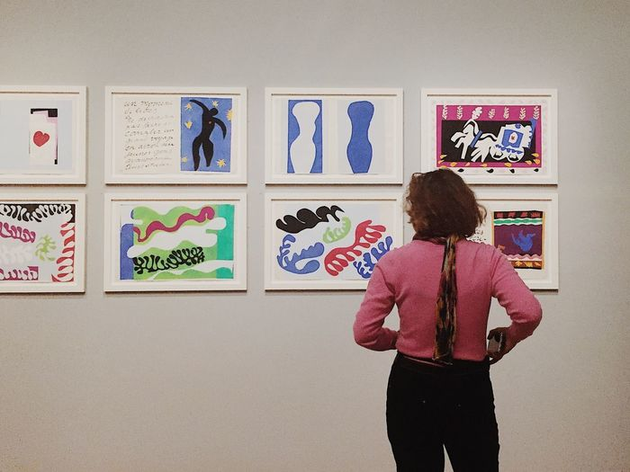 Pink thinking Observe Artlovers Minimal Frankfurt Städel Museum Collage Matisse Modern Art Art Museum Of Modern Art Museum Pink Rear View One Person One Woman Only Women Only Women Indoors