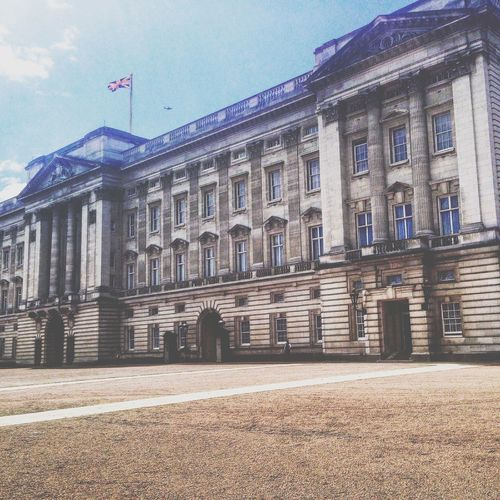 Buckingham Palace London Sky Filters Instagram
