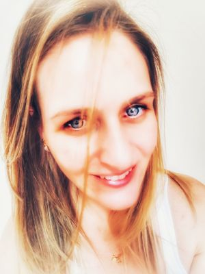 Hello... nice to meet you 🙋🏼 Filtered Image Filterphotography Filters & Effects Blond Hair Blonde Girl Faces Face Beatiful Girl Face Of EyeEm Wonderfulgirls Girls FaceShot Naturalface Natural Beauty Blue Eyes Selfie ✌ Me Modeling Headshot Front View Long Hair Close-up Real People Smiling Human Face Human Eye Young Adult