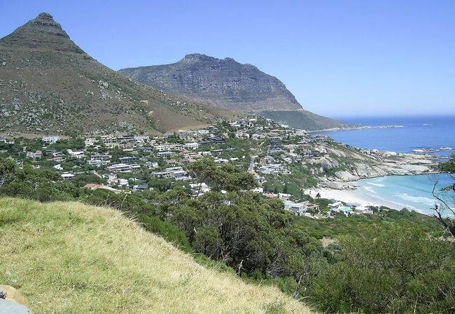 Coastal Town east of Cape Town Mountain Range Mountains And Valleys Sea And Sky Rock Formation Nature Natural Creation Sand & Sea Waves, Ocean, Nature Houses By The Sea Green And Blue Sea 🌊 Outdoor Photography Green Trees And Plants My Point Of View. As I Sees It Clear Day Beautiful Day Rocks On The Shore